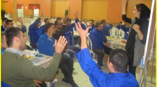 برگزاری کلاسهای زبان در مجتمع بهزیستی وحدت